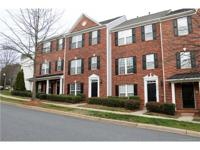 Fully remodeled townhome in cornelius-w/lake norman