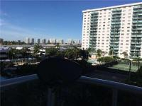 Updated 3/3 unit in winston towers 600. Washer and