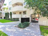 Beautifully remodeled 3 Bed/3 Bath Burbank Condo in the