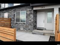 Like new townhome in a fantastic location. Breathtaking