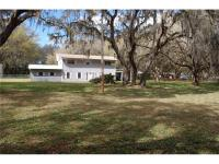 Enjoy Florida country living but remain minutes from