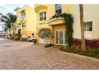 Luxury townhouse steps away from the beach,