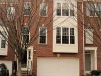 Beautiful townhouse facing treed area in Kingstowne.