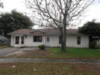 22 Valeview Ct, Apopka , FL 32712 Stories: 1Square