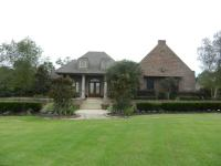 Absolutely stunning custom built home in an exclusive
