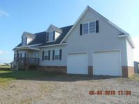 Looking for farm living? Gorgeous acreage with pastures