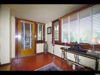 Amazing classic bungalow, so much original woodwork and