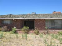 2800+ 1970's home with brick face, front courtyard,