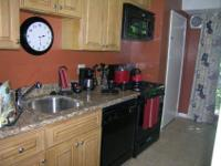 Large eat-in kitchen, Ceiling Fan, Brand New