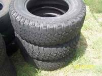 3 BFGoodrich mud tires, 255/75R17 2 in excellent