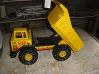 3 Old Metal Tonka trucks from the early 70's in mint