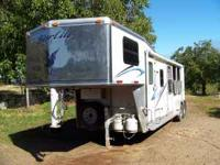 2005 Silverlite/Patriot,3 horse living quarters