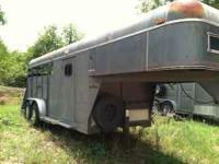 1990 Sundowner 3 horse slant load gooseneck trailer for