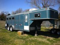 1996 WW 3 Horse slant trailer with dressing room. Good