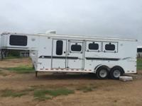 2001 Sundowner 3 horse trailer Finished 8 ft shortwall