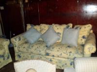 Beautiful 3pc set. Includes couch, love seat and chair.