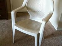 I'm selling these 3 plastic chairs because I'm moving