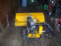 3' Power broom B/O make me your best offer  Location: