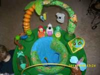 RAINFOREST THEME AND IS IN VERY GOOD CONDITION. I EVEN