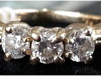 3-Stone Diamond ring set in strong heavy 14kt yellow