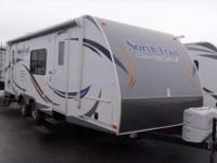 2013 HEARTLAND NORTH TRAIL 24' , WHT/MOCHA,
