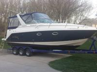 2005 Rinker 270 Fiesta Vee, 30.4 LOA only FRESH WATER.