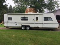 1999 trail lite 30 ft camper $5500.00 obo it has a