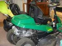 WEEDEATER 30'' RIDING MOWER. POWERED BY BRIGGS