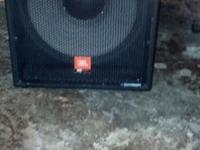 JBL Powered Sub-woofer MP418SP in MINT condition Body