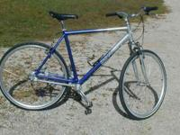 Ultimate grocery getter or commuter bike. Frame size is