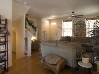 Nicely furnished duplex, 3 levels / 3Bd / 3 1/2 baths.