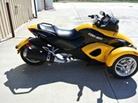 can-Am SPYDER It is in excellent condition, Mileage:
