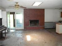 3 bed, 3 bath, Nashville, AR, house. This home will