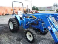 very clean new holland tc30 gear trans 4wd r4 ind tires