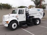 2000 International 4700, T444E, Allison Automatic, A/C,