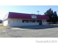 prime location! convenience store has large walk in