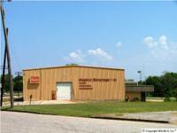 Commercial building in Attalla with excellent