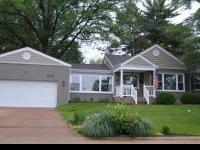 4 bedroom/2 bath updated brick Ranch in Webster Groves.