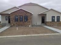 Beautiful 5 bedroom, 3 bathroom twin-home located in