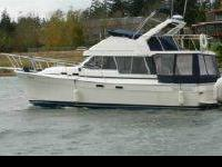 1987 3270 Bayliner Motoryacht, well maintained and
