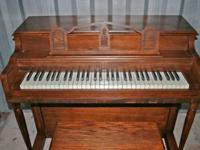 MELODIGRAND COMPACT PIANO In walnut finish with