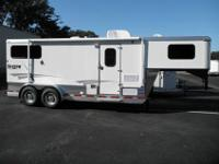 2012 SHADOW two HORSE GOOSENECK WITH 7 amp 039 LIVING