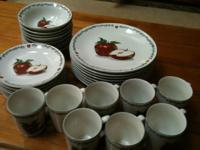 32 piece dinnerware set by Todays Home- Service for 8