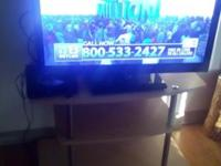 Emerson 32' TV works Perfectly Selling DVD player, TV