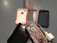 2 White iPhone 4S 32 GB for sale both in Great