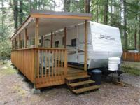 Sleep up to 8 in The Glen Awesome floor plan in this
