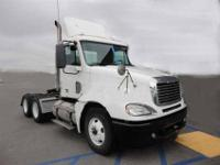2007 Freightliner Columbia tandem axle day cab tractor.