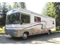 2001 FLEETWOOD Storm 31' self contained, two slides,