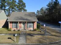 PERFECT STARTER HOME IN PARK FOREST SUBDIVISION.