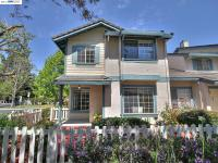 Gorgeous end-unit townhouse in Ardenwood w. walking